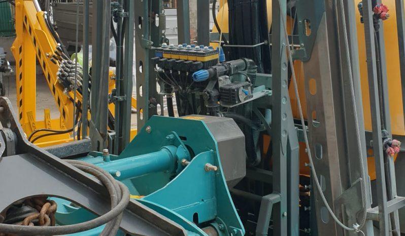 Suspendida 1000 Litros con barras hidraulicas lleno